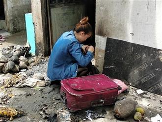 Thoát chết trong vụ cháy, con gái 18 tuổi đứng trước căn phòng khóc nghẹn gọi mẹ và 2 em vừa tử vong