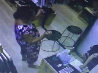 Nghi án người phụ nữ bị thôi miên, tự mở két lấy 68 triệu đồng 'dâng' cho người lạ