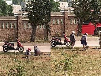 Hai cô gái trẻ bị chụp ảnh lộ vùng kín vì tiểu bậy ngoài đường khiến dân mạng bàn tán xôn xao
