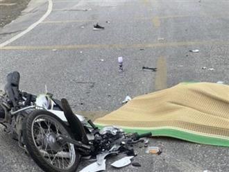 Hòa Bình: Người phụ nữ Mexico đi xe máy bị container cán tử vong thương tâm