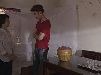 Ánh Dương 'Về nhà đi con' bị con trai cô bán hoa sàm sỡ trong lúc bỏ nhà đi