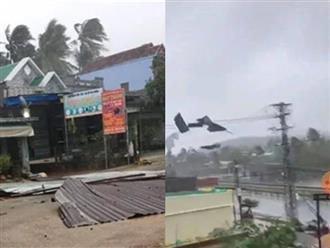 Video: Gió giật liên hồi thổi bay mái nhà bằng tôn ở các tỉnh miền Trung