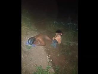 Bắt tại trận yêu râu xanh cưỡng hiếp bé gái ngoài vườn ở Đắk Lắk