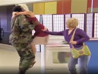 Video hài: Yêu nhau thế này thì ác quá