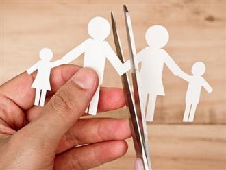 3 biểu hiện cho thấy 1 gia đình đang lụn bại, con cái dù tốn công dạy dỗ cũng khó nên người