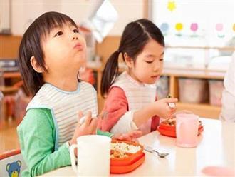 3 thói quen cực xấu trong ăn uống mà bố mẹ cần sửa cho con càng sớm càng tốt