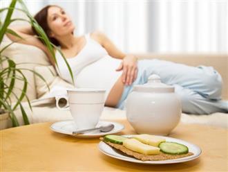 4 dấu hiệu cho thấy thai nhi đang đói, mẹ bầu hãy nhớ ăn ngay để con khỏe mạnh nhé!
