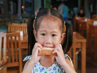 4 dấu hiệu chứng tỏ trẻ đang trong giai đoạn phát triển cực nhanh, cha mẹ lưu ý để không bỏ lỡ cơ hội vàng tăng chiều cao cho con