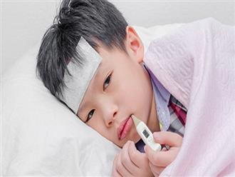 4 sai lầm kinh điển mà các bà mẹ Việt thường mắc khi chăm con bị sốt, bỏ ngay đi còn kịp
