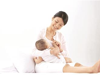 """6 cái """"được"""" cực lớn khi nuôi con bằng sữa mẹ: Vừa khỏe con vừa giúp mẹ phòng bệnh"""