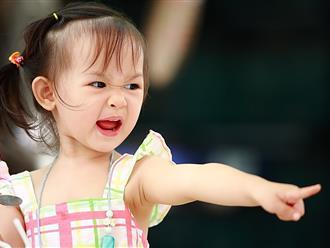 """7 câu mẹ nào cũng hay nói nhưng """"sai bét"""" gây tổn thương và khiến trẻ càng hư hơn"""