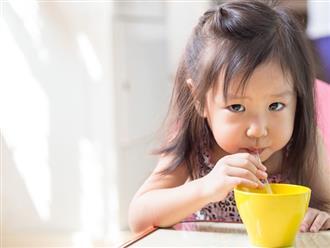 7 lưu ý bố mẹ phải nhớ để trẻ không bị ốm trong những ngày nắng nóng cực điểm
