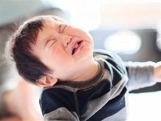 """90% trẻ sơ sinh khóc dạ đề: Điểm mặt 7 """"thủ phạm"""" lại là thứ thường xuất hiện trong bữa ăn của mẹ"""