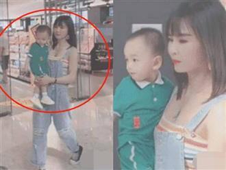 Ai cũng xuýt xoa vì mẹ bỉm sữa vòng 1 nảy nở bế con, sự thật còn bất ngờ hơn