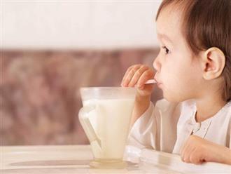 Bác sĩ khuyên mẹ: 5 món đừng bao giờ cho trẻ ăn khi đói kẻo lớn lên phải đổ đống tiền chữa bệnh