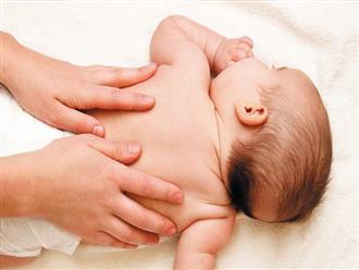 Bé 3 tháng tuổi chết sau khi massage, cảnh báo những trường hợp không được massage cho trẻ