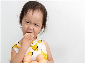 Bé gái 3 tuổi bị tiêu chảy nghiêm trọng và suýt mất mạng, khi nghe bác sĩ chỉ ra nguyên nhân thì bà nội chỉ biết ôm mặt hối hận