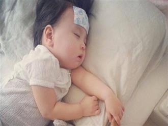 Bé gái 6 tuổi nước tiểu chuyển màu xanh vì ăn đồ trong tủ lạnh khiến cơ thể nhiễm khuẩn
