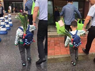 """Bỏ 1 thứ vào balo trong ngày đầu tiên cháu trai đến trường, ông nội khiến dân mạng """"bái phục"""" vì độ thâm sâu"""