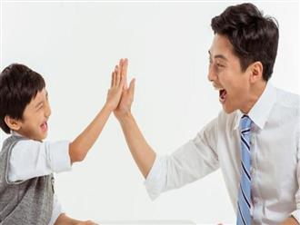 Bố mẹ chỉ cần thay đổi một chút trong lời khen sẽ làm thay đổi cả cuộc đời con