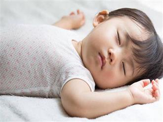 Cả một loạt ảnh hưởng vô cùng tiêu cực khi trẻ ngủ không đủ giấc mà các mẹ chưa chắc đã biết đến