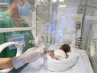 Các bà mẹ cần lưu ý những gì khi chăm sóc con sinh non?