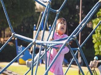 """Cách dạy con của bố mẹ có thể khiến trẻ """"đánh mất bản thân mình"""" như thế nào?"""