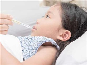 Cha mẹ làm những việc này khi trẻ sốt có thể khiến con mất mạng