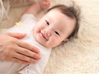 Chỉ vì sợi tóc rụng của mẹ, bé trai 10 tuần tuổi suýt cắt bỏ 4 ngón - lời cảnh báo tới cha mẹ