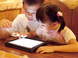 Chuyên gia liệt kê dấu hiệu dễ nhận biết trẻ chậm nói so với cột mốc tuổi
