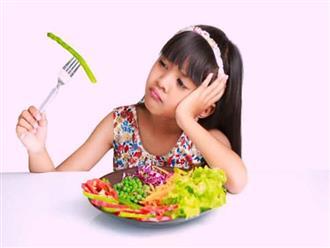 Chuyên gia mách bố mẹ 5 tuyệt chiêu đối phó trẻ kén ăn