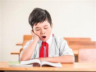 """Cô giáo gửi ảnh con ngủ gật rồi chê bai, bố đáp một lời làm cô """"ngượng chín mặt"""""""