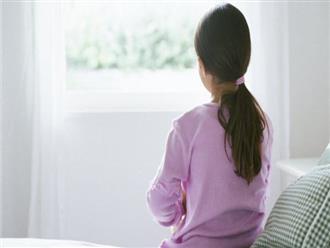 """Con gái mách bị bác họ sàm sỡ, người mẹ thản nhiên trả lời: """"Bác thương nên mới làm thế"""""""
