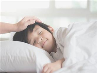 Cứ kêu con quấy đêm, ai ngờ bé ngủ không ngon giấc là do sai lầm của mẹ