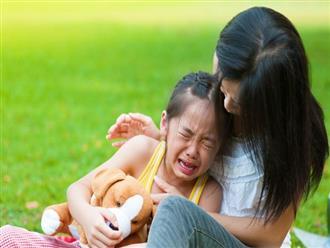 Cứ tưởng làm thế này là yêu con, nhưng thực ra cha mẹ đang hại con