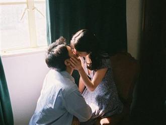 Đàn ông yêu thật lòng thường ĐẶT MÔI lên những bộ phận cơ thể này của phụ nữ