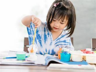 Để con gái tự làm bài tập về nhà, mẹ ngơ ngác không hiểu bé vẽ gà con hay đậu phộng nhưng đáp án mới sửng sốt