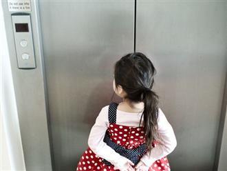 """Để con nghịch cửa thang máy, bố sợ xanh mặt khi thấy tay con bị cánh cửa """"nuốt trọn"""""""