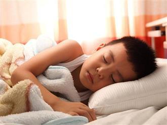 Để con sờ ngực suốt 7 năm khi ngủ, ngày đưa đi khám mẹ hay tin đó là bệnh