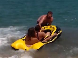 Đi biển và những tai nạn cực hài hước, xem là quên hết mệt mỏi áp lực thường ngày