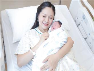 Diễn viên Thanh Thúy tiết lộ 6 lợi ích của việc mát-xa cho trẻ sơ sinh kèm hướng dẫn chi tiết các mẹ không nên bỏ qua
