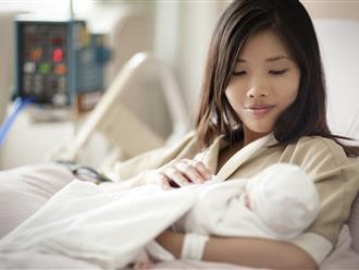 Điều trẻ sơ sinh vô cùng sợ hãi khi bú mẹ thương con thì đừng làm nhé chị em