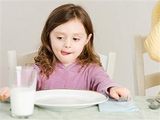 Đồ ăn, thức uống trẻ nào cũng thích nhưng lại kìm hãm chiều cao và trí não
