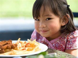 Đừng bao giờ cho trẻ 1 tuổi ăn 14 loại thực phẩm này kẻo gây hại nghiêm trọng đến sức khỏe