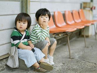 Đừng để áp lực học hành đè nặng vai trẻ