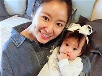 Khoe quà sinh nhật tặng con gái, Lâm Tâm Như bị so sánh không khéo nuôi dạy con bằng bạn thân Triệu Vy