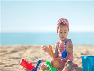 Không ngờ việc cho trẻ ra biển chơi lại có những lợi ích hay ho như thế này theo giải thích của các chuyên gia