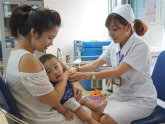 Khuyến cáo phụ huynh đưa con em tiêm vắc-xin phòng ngừa các bệnh truyền nhiễm