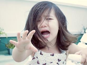 Làm gì khi con trẻ bị té ngã