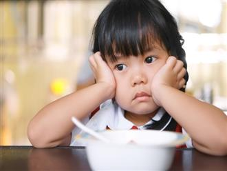 Lời khuyên cực hữu ích cho các mẹ để con luôn ăn uống lành mạnh ngay cả trong dịp Tết ngập ngụa bánh kẹo